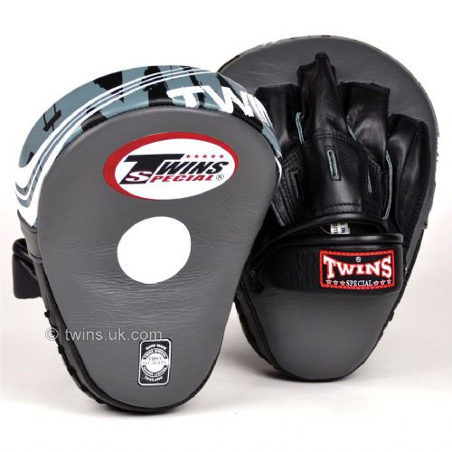 Twins PML-10 Deluxe Curved Focus Mitts - Grey